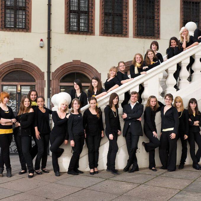 Fotoshooting Des Mädchenchores Der Schola Cantorum Leipzig In Der Leipziger Innenstadt