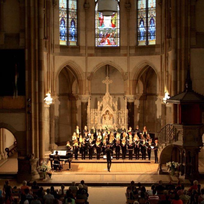 Sommerkonzert Von Mädchenchor Und Ensemble In Der Peterskirche