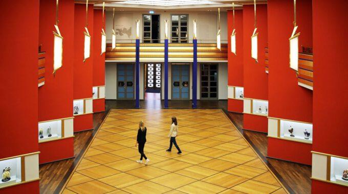 Die Pfeilerhalle Im Grassimuseum Für Angewandte Kunst