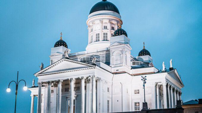 Kathedrale In Helsinki Während Der Dämmerung