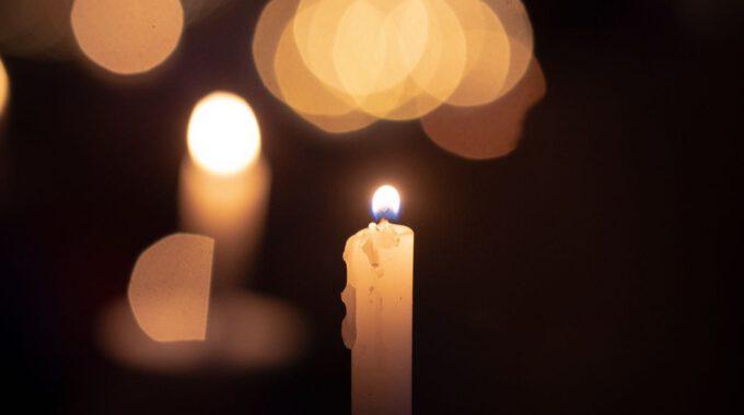 Kerzenlicht Leuchtet Im Dunkeln
