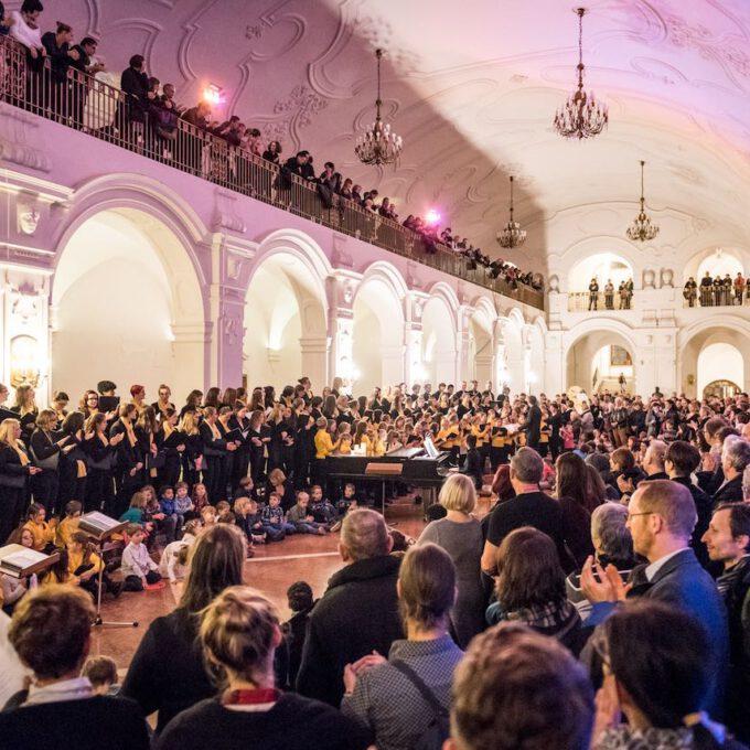Musikalische Eröffnung Der Advents- Und Weihnachtssaison Mit Der Schola Cantorum Im Neuen Rathaus Leipzig
