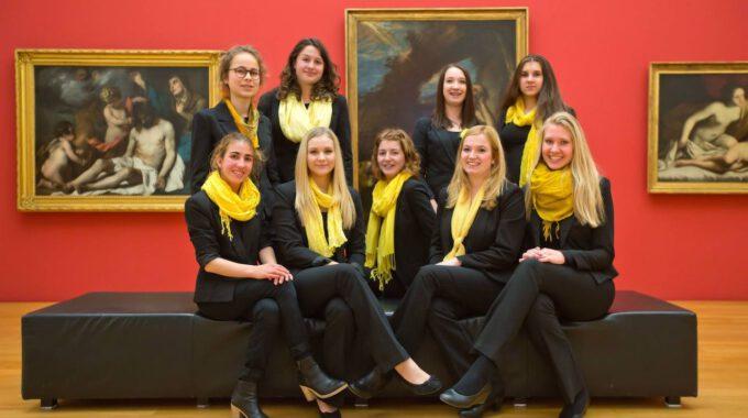 Mitglieder Des Mädchenchores Der Schola Cantorum Im Museum Der Bildenden Künste Leipzig