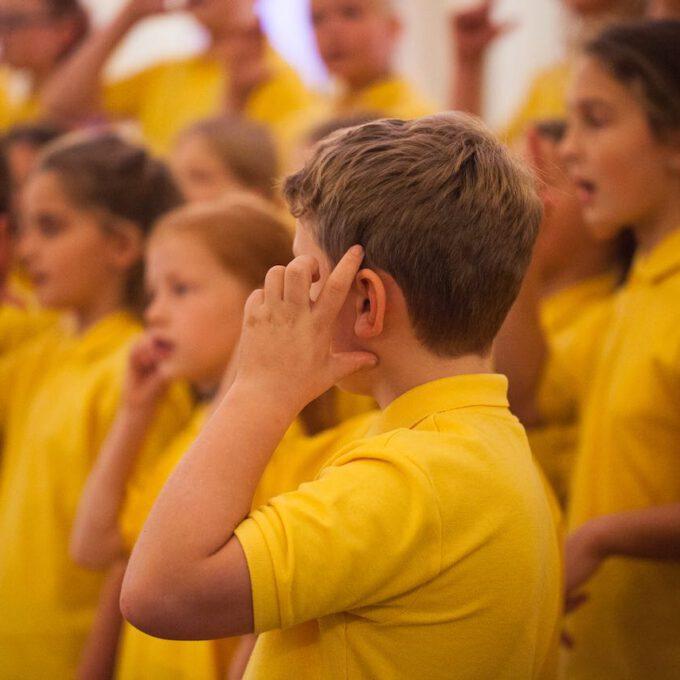 Der Kinderchor Der Stadt Leipzig Mit Traditionellem Und Modernem Herbstrepertoire In Der Alten Börse