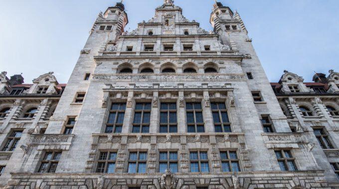 Die Aufwendige Fassade Des Neuen Leipziger Rathauses