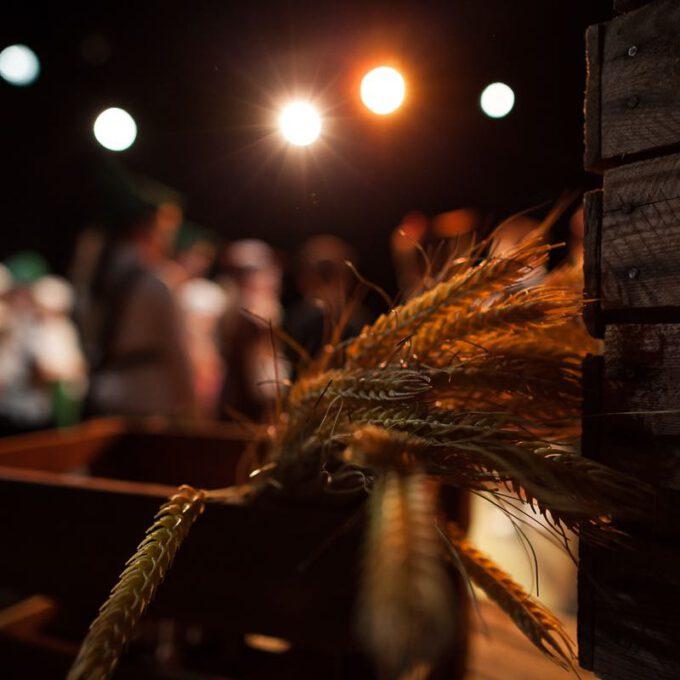 Kinderoper Rumpelstilzchen: Getreideähren Im Bühnenlicht