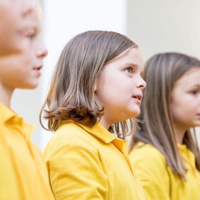 Die Mitglieder Der Spatzenchöre Der Stadt Leipzig Sind Mit Einem Konzert Zu Gast In Der Kinderklinik Der Universität.