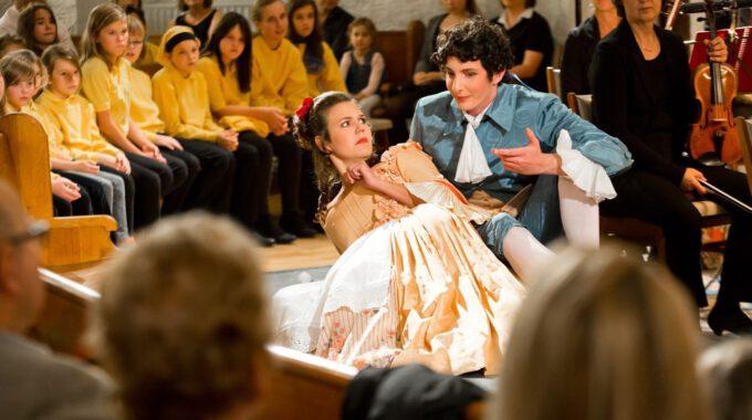 Aufführung Von Figaros Hochzeit Im Rahmen Des Musikfestivals