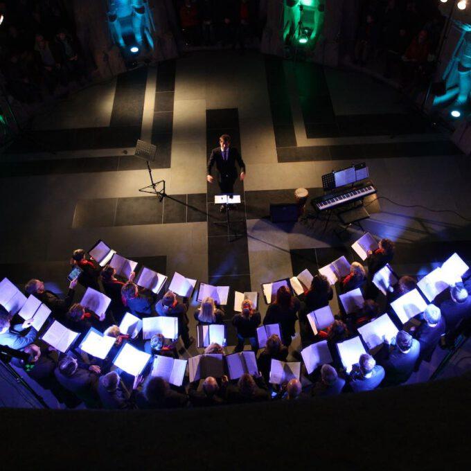 Der Denkmalchor Leipzig Im Stimmungsvoll Beleuchteten Völkerschlachtdenkmal