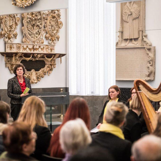 Rektorin Beate Schücking Während Einer Vesper In Der Leipziger Universitätskirche St. Pauli