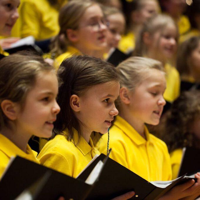 Gemeinsames Weihnachtskonzert Von Spatzenchören Und Kinderchor Der Stadt Leipzig
