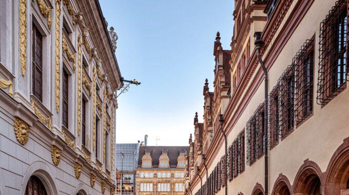 Alte Handelsbörse Und Altes Rathaus Leipzig
