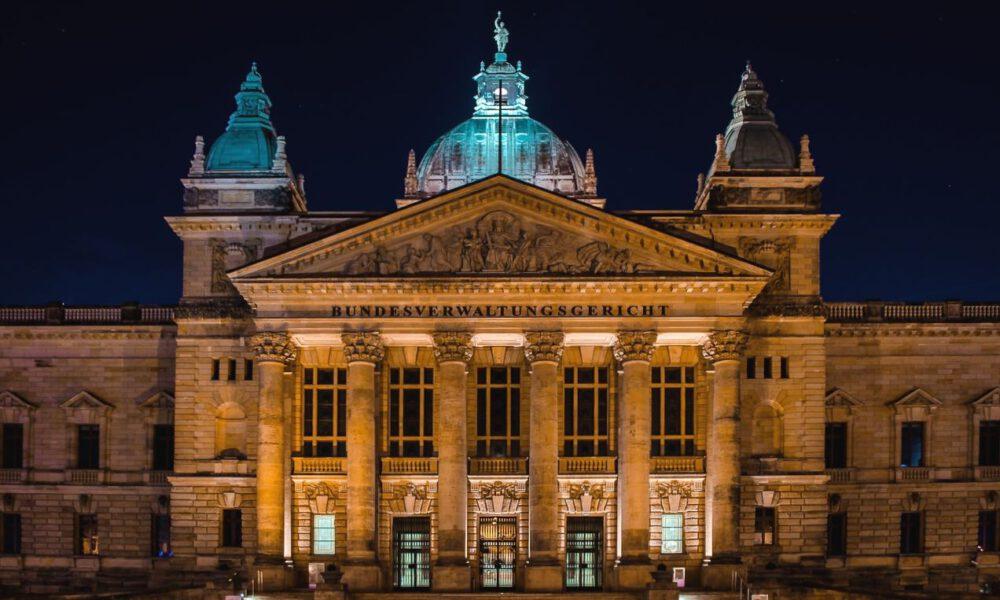 Leipziger Bundesverwaltungsgericht Bei Nacht