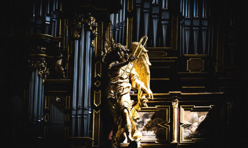 Engel Im Sonnenlicht - Detail Der Domorgel In Fulda