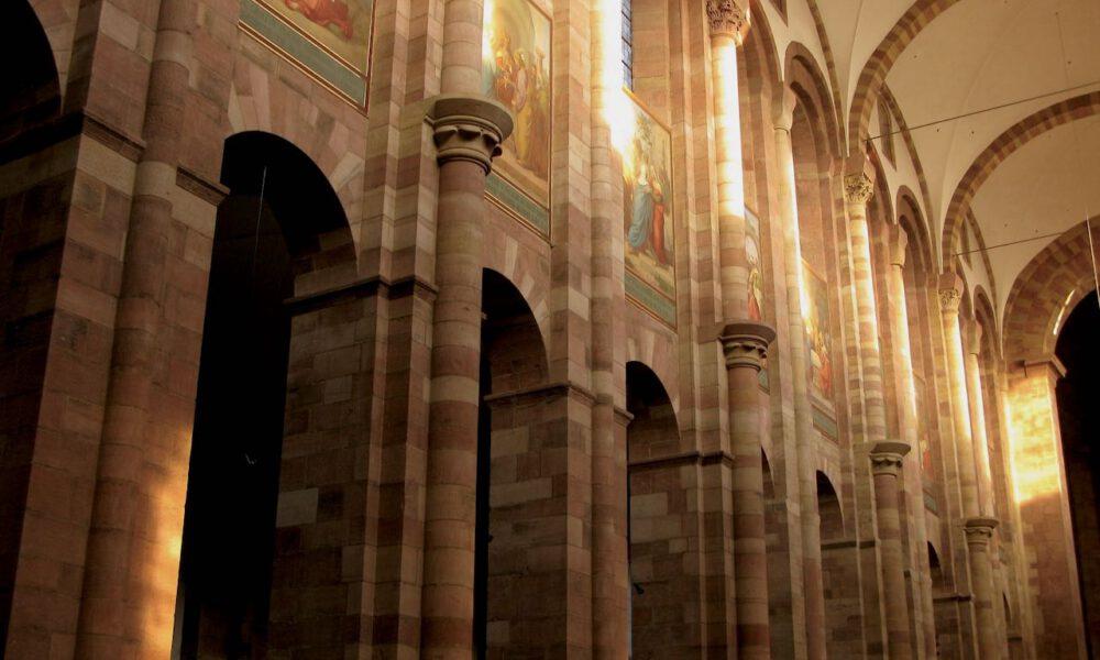 Innenansicht Des Kaiserdoms Speyer Im Nachmittagslicht
