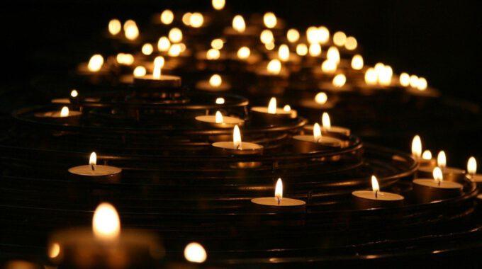 Kerzenlichter Im Dunklen