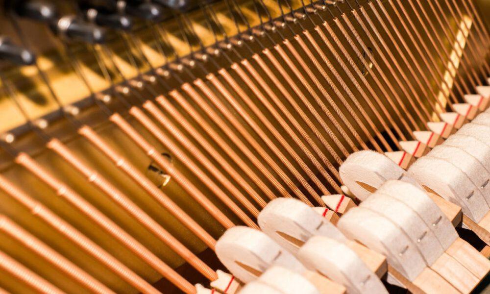 Saiten Eines Klaviers Und Ein Teil Der Klaviermechanik
