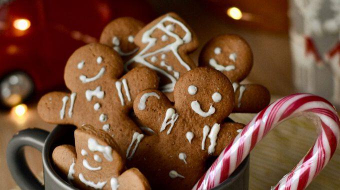 Weihnachtlich Dekorierte Lebkuchenmänner (und -frauen)