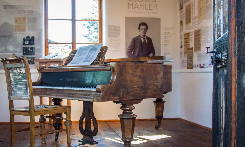 Mahlers Komponierhäuschen Mit Historischem Flügel