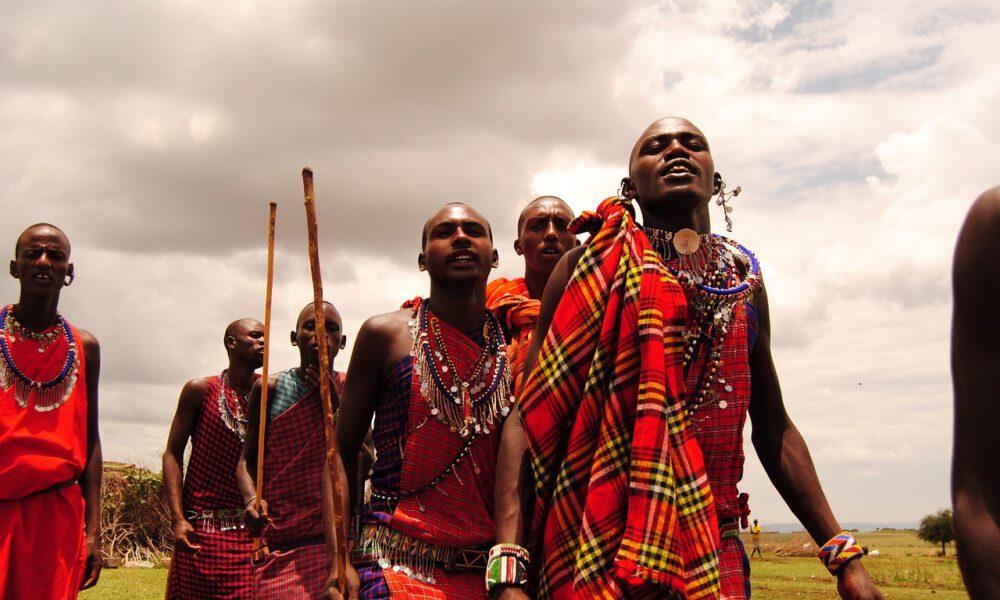 Masai-Krieger In Volkstümlicher Tracht