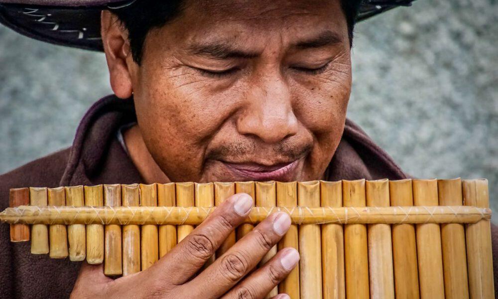 Ein Musiker Spielt Panflöte