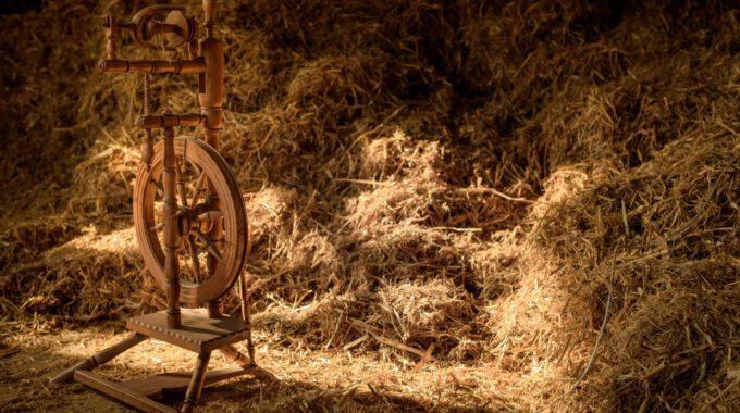 Szene Aus Rumpelstilzchen: Spinnrad Und Stroh