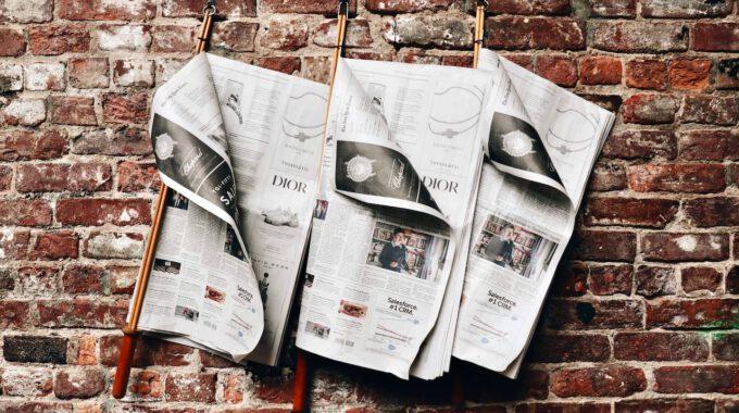 Drei Tageszeitungen Im Zeitungsstock