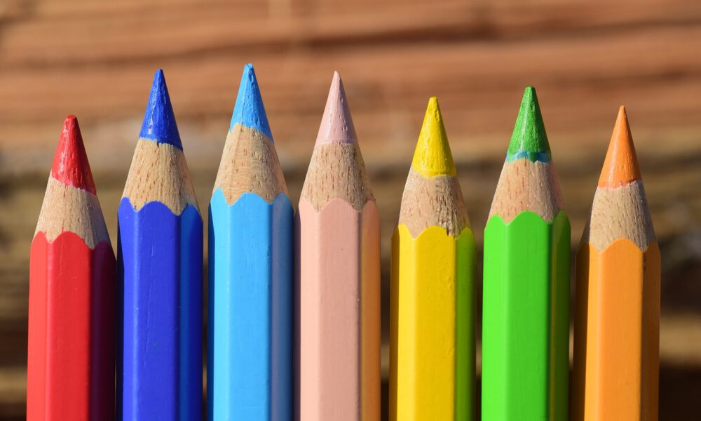 Verschiedenfarbige Buntstifte