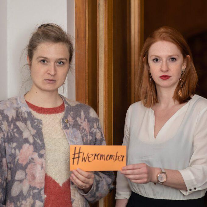 Mitarbeiter:innen Der Schola Cantorum Leipzig Mit Dem Hashtag #weremember