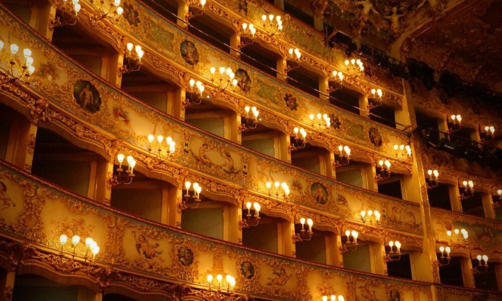 Zuschauerlogen Im Opernhaus
